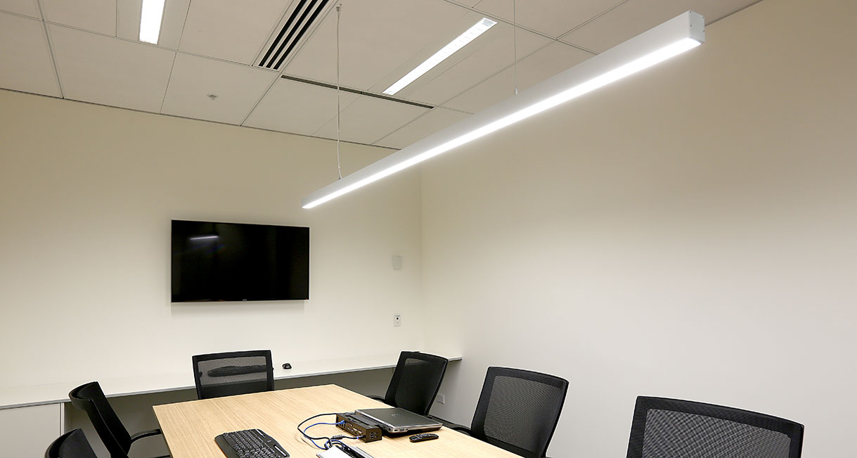 Lussio-Linear-LED-Lighting-Guild-Insurance-139A4014