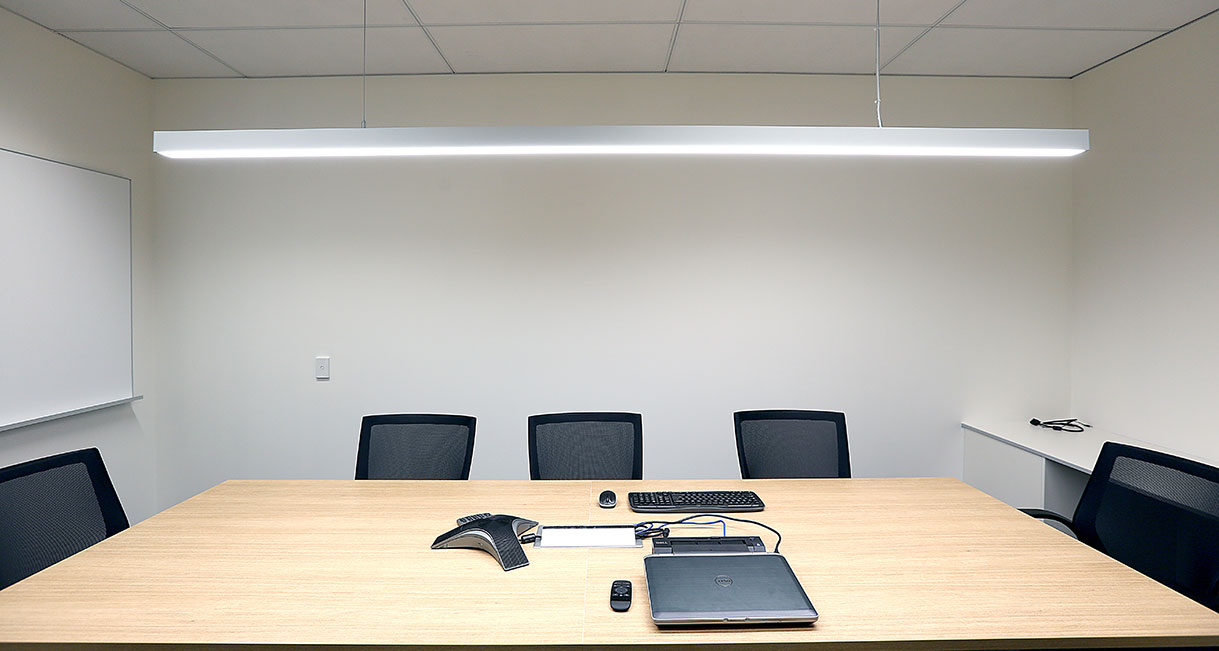 Lussio-Linear-LED-Lighting-Guild-Insurance-139A4020