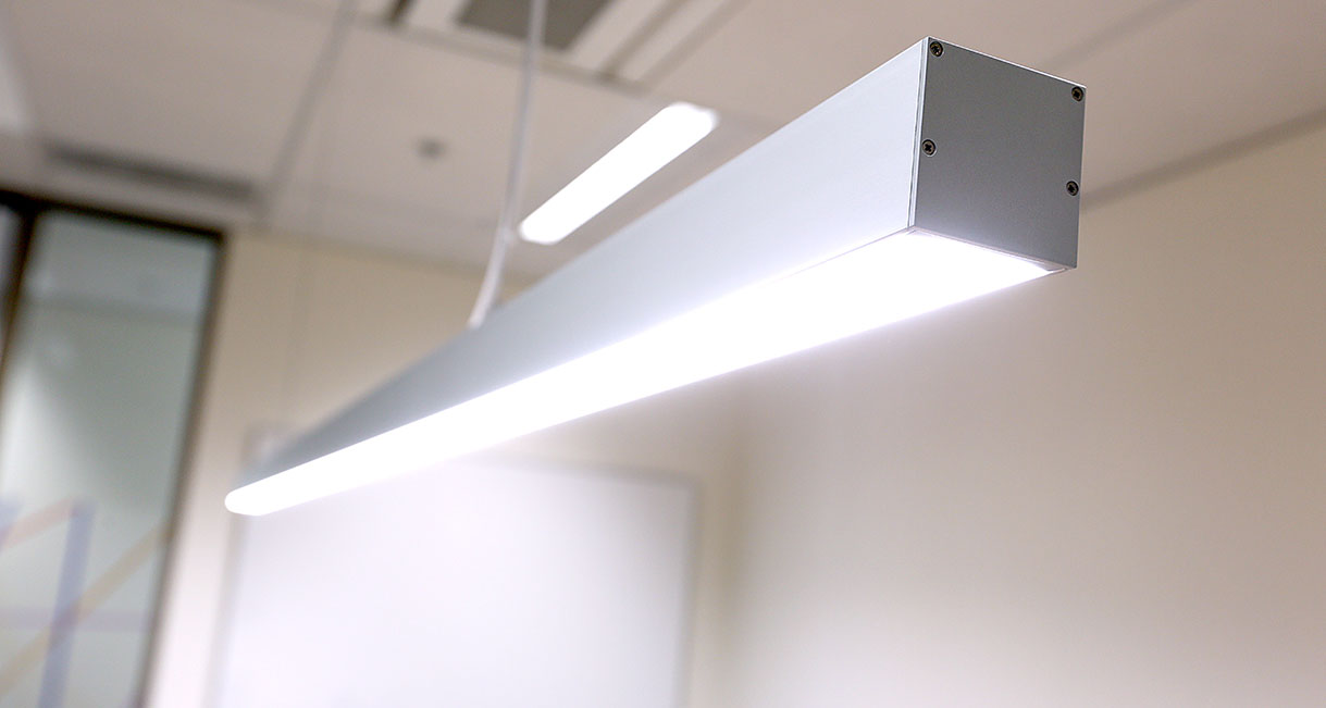 Lussio-Linear-LED-Lighting-Guild-Insurance-139A4023